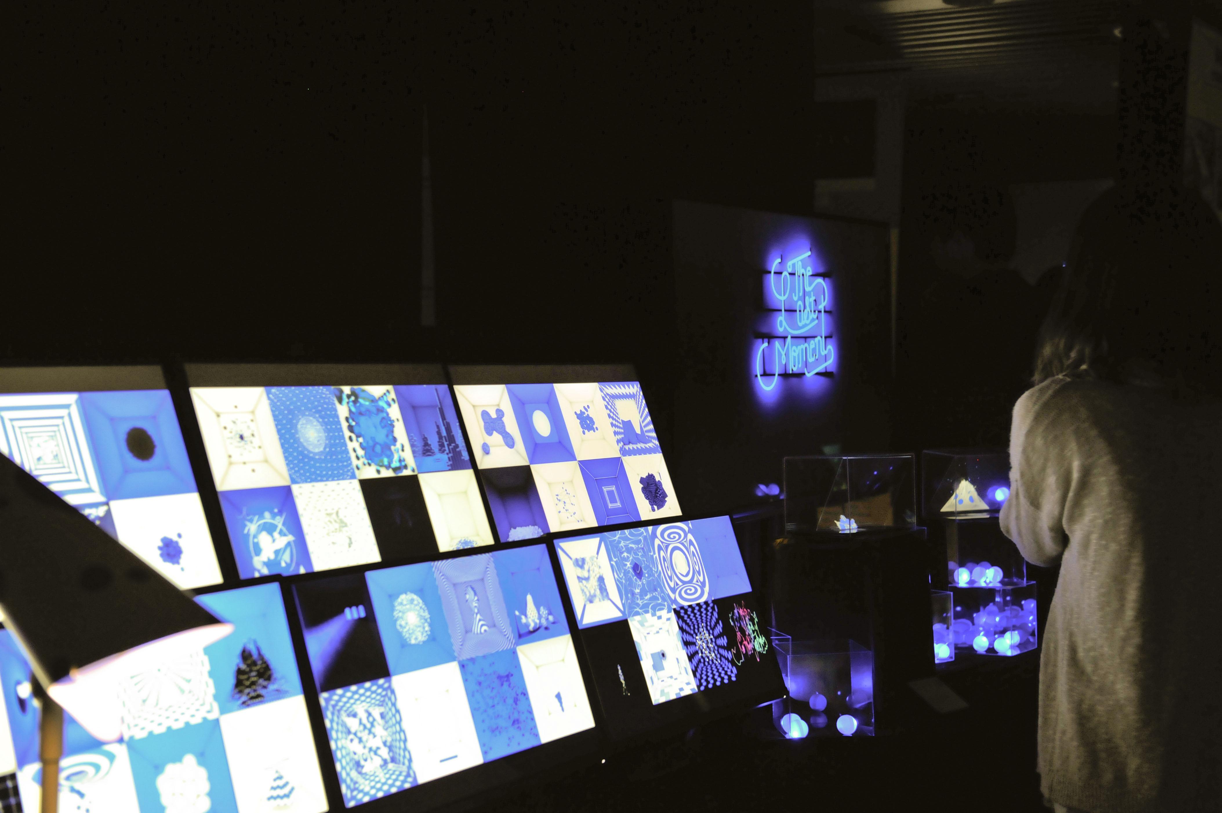 媒体聚焦  本次毕业设计作品展集合了学院数字媒体,工业设计,传达设计